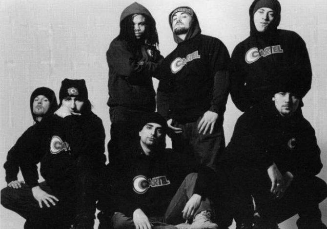 """Cartel 1995 yılında """"Cartel 1 Numara"""" adlı şarkısıyla Türk müzik dünyasına zirveden giriş yapmıştı. Türkiye'de büyük başarı gösteren Almanya kökenli grup platin ödülün de sahibi olmuştu"""