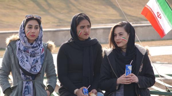 iranda-islam-devriminin-39.-yildonumu-kutlandi_4792_dhaphoto7.jpg